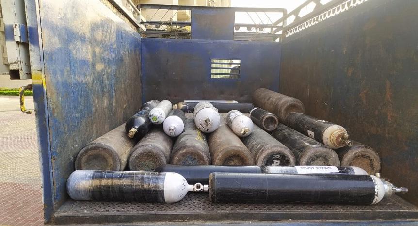 सोसाइटियों में ऑक्सीजन की किल्ल्त दूर करने के लिए नेफोवा ने दो दिनों में 45 सिलेंडर भरवाए